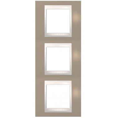 Рамка 3-постовая вертикальная Schneider Electric Unica Plus, коричневый/слоновая кость - описание, характеристики, отзывы