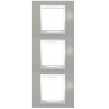 Рамка 3-постовая вертикальная Schneider Electric Unica Plus, туманно-серый/белый - описание, характеристики, отзывы